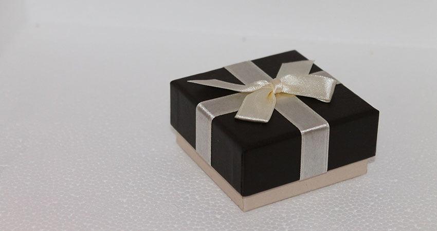 Stilef produce scatole fondo coperchio per i tuoi prossimi regali