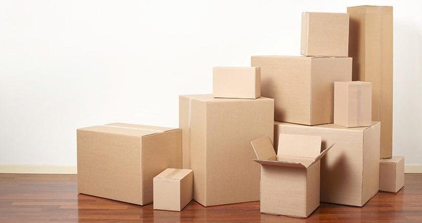 scatole in cartone di varie dimensioni